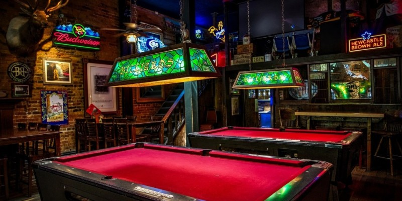 4 billiard rooms